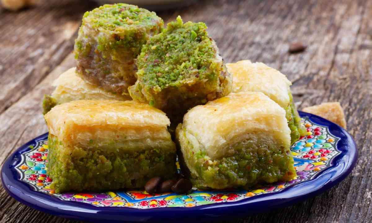 Baklava sweets (Shutterstock)