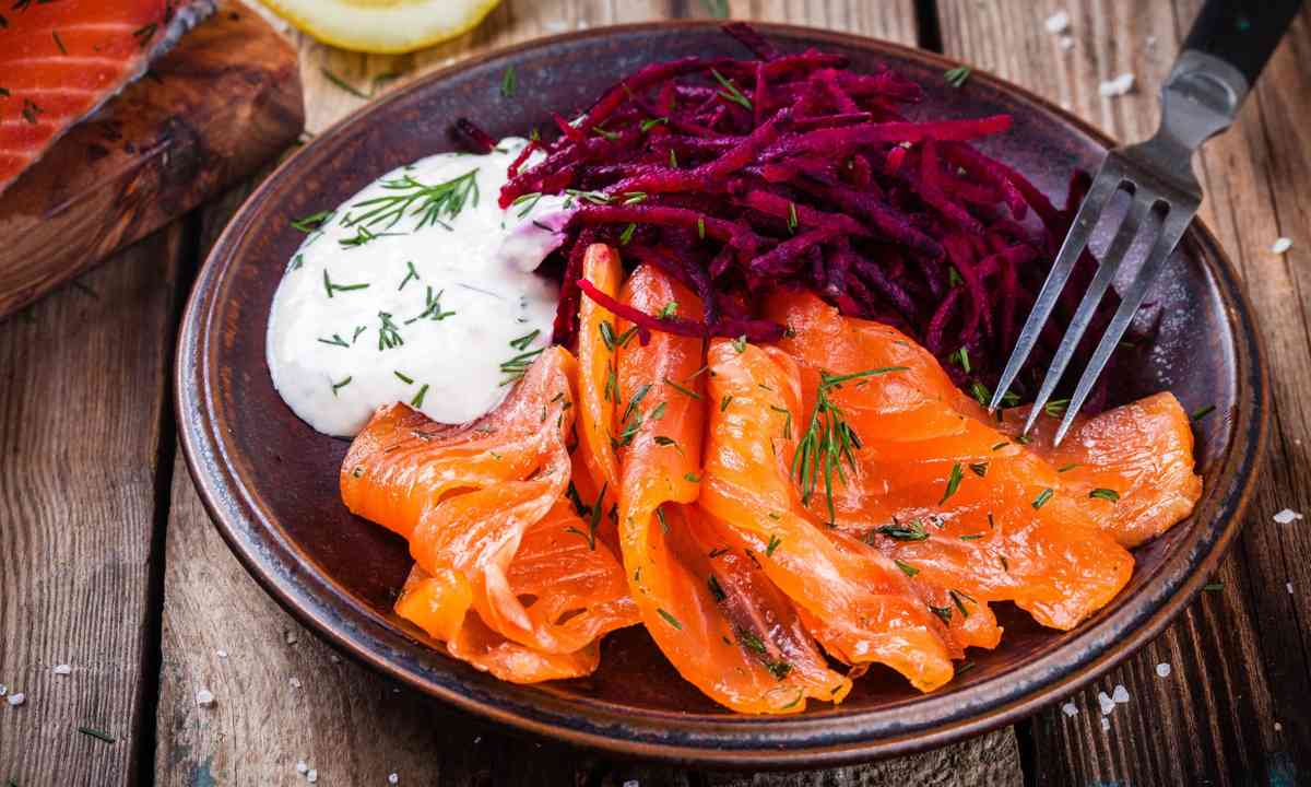 Homemade Swedish gravlax with beetroot salad (Shutterstock.com)