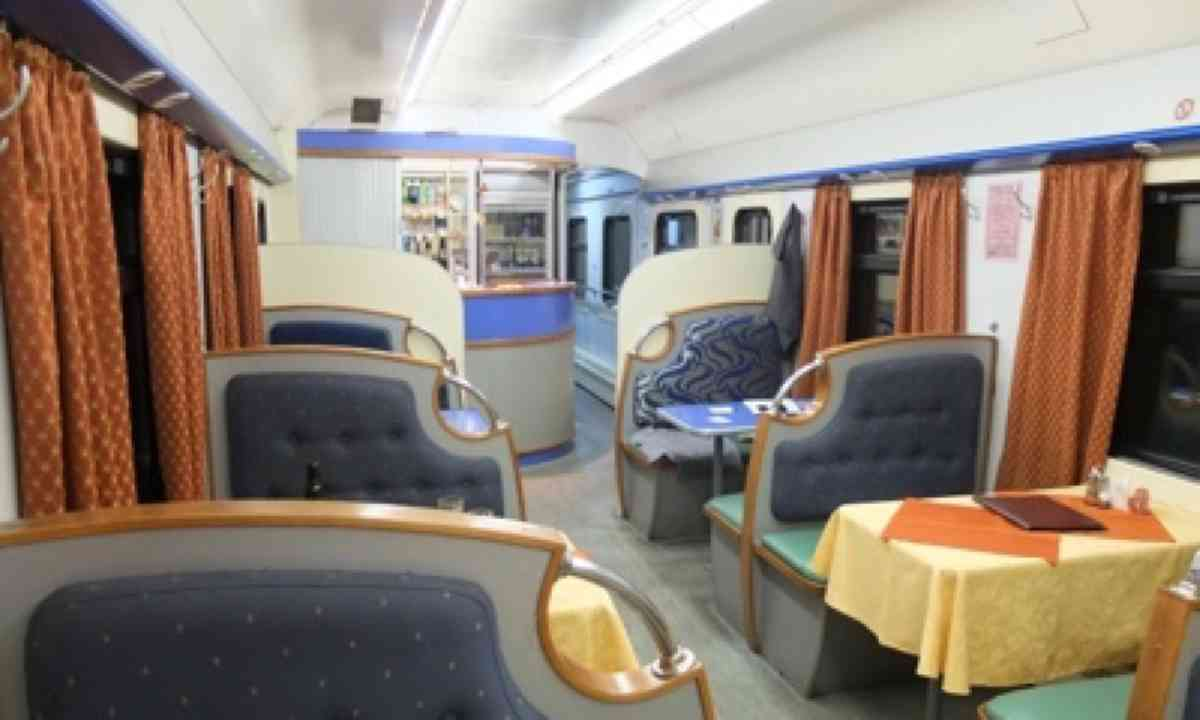 Restaurant carriage (Matthew Woodward)