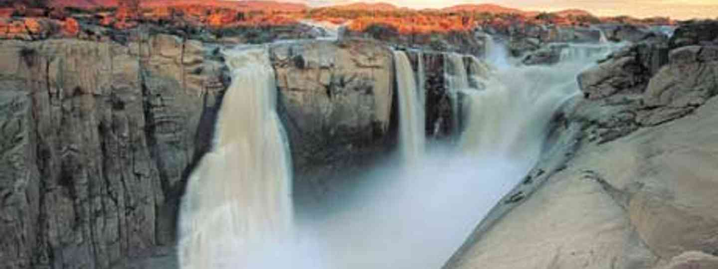 Take a dip: Augrabies falls (South Africa Tourism)