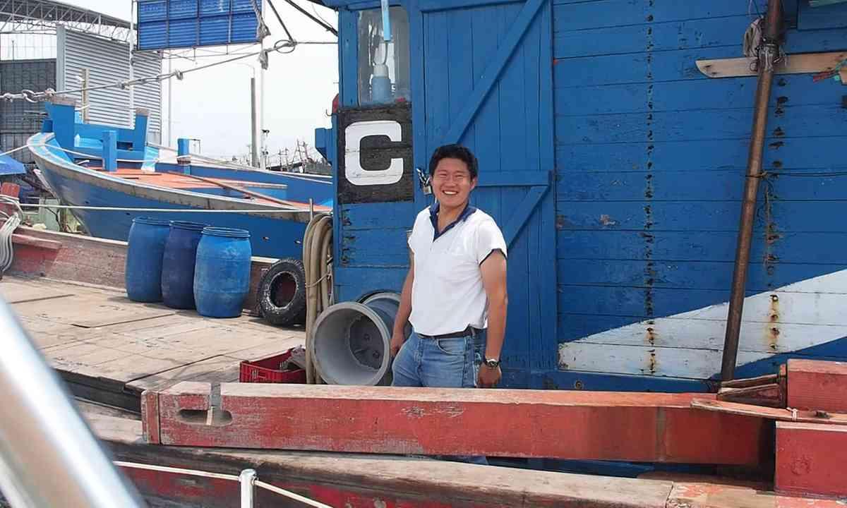 Shipyard manager (Liz Cleere)