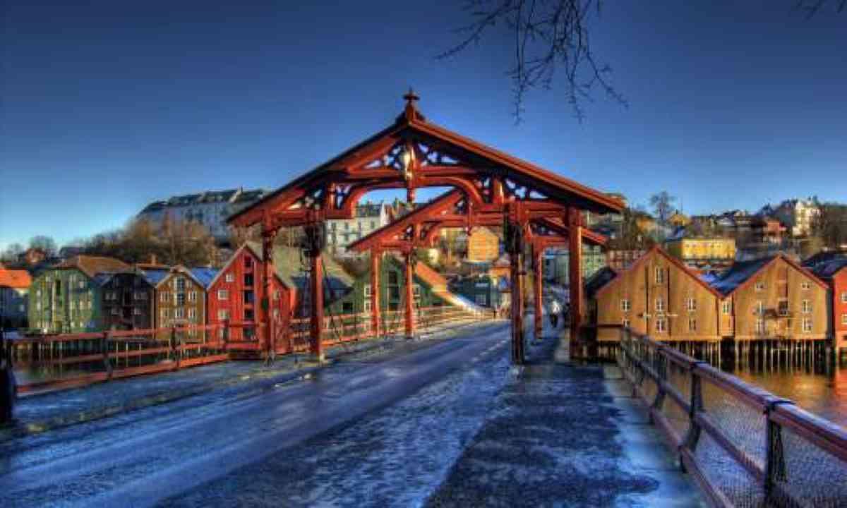 Gamle Bybro - The Old Town Bridge (VisitNorway.com)
