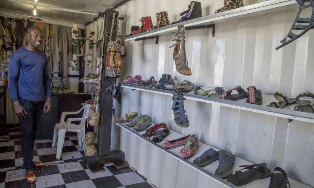 Township shoe store (M.Cagol)