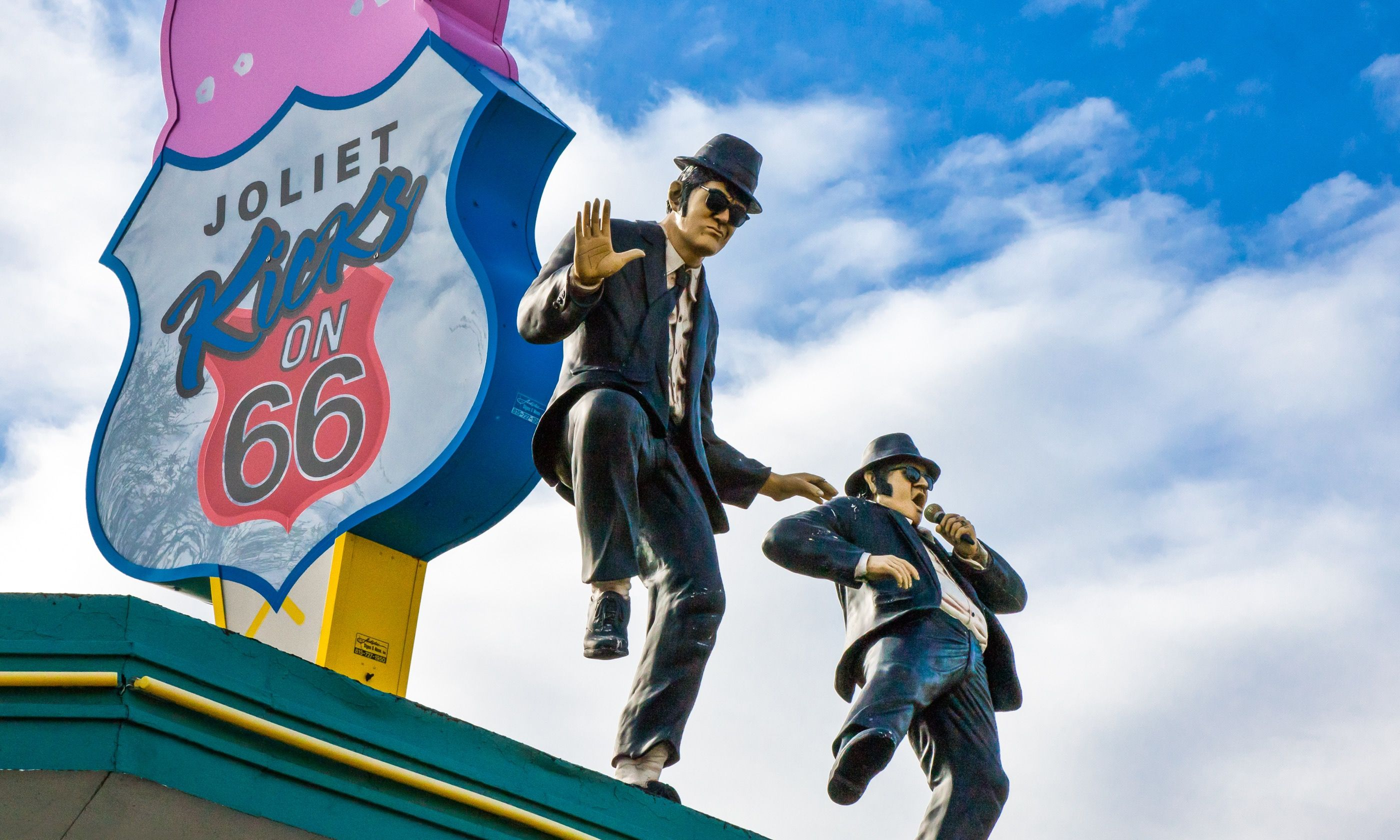The Blues Brothers on Route 66 in Joliet (Shutterstock.com)