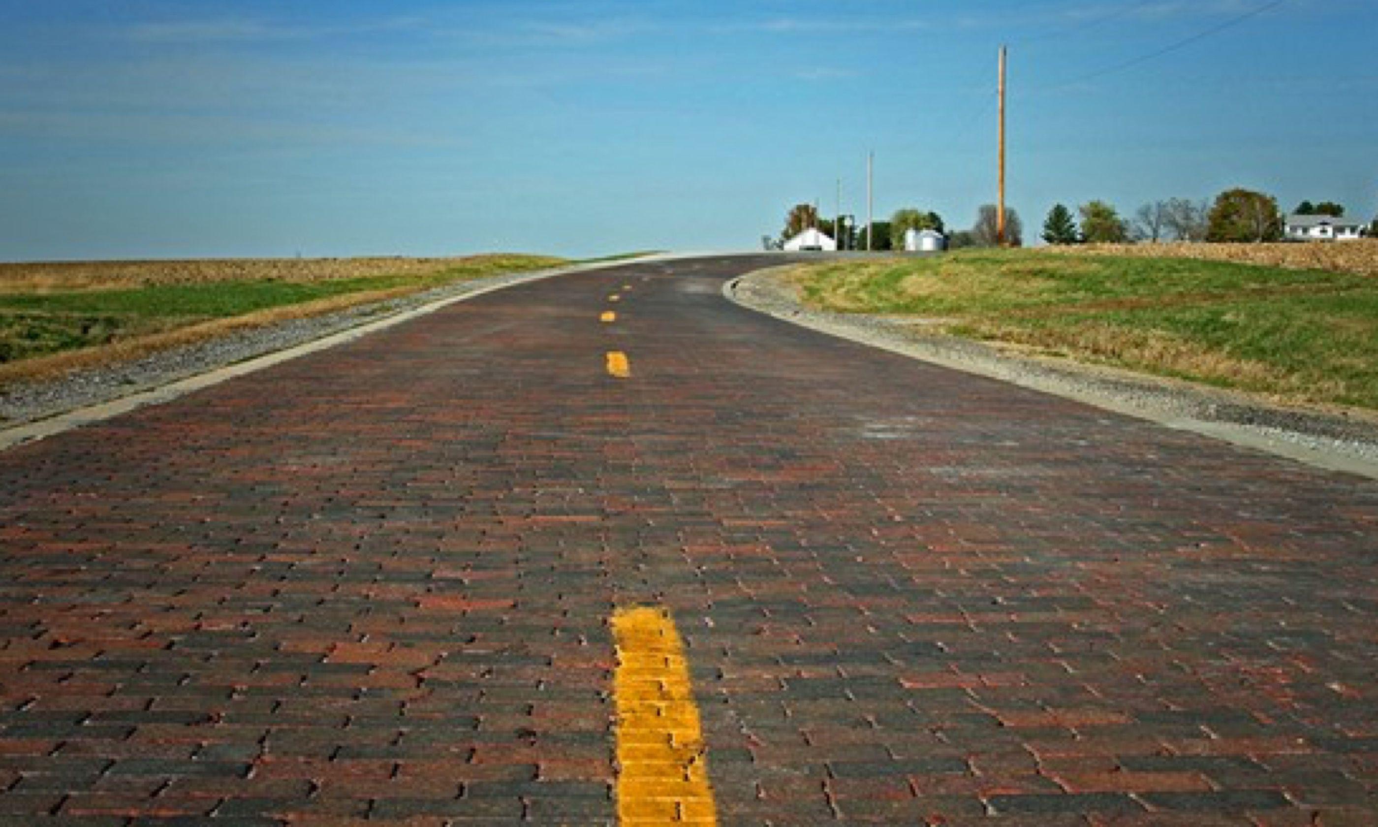 Original Route 66 Brick Road, Auburn (www.enjoyillinois.com)
