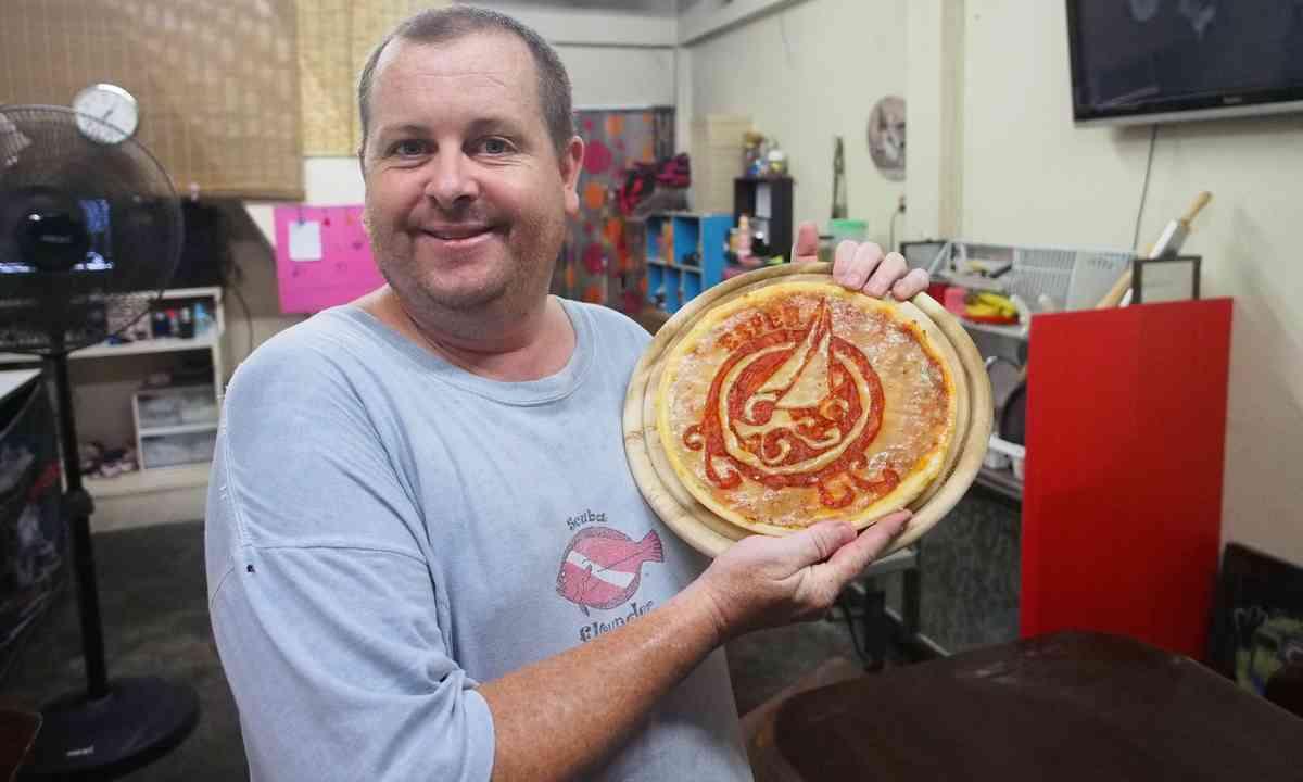 Esper Pizza (Liz Cleere)
