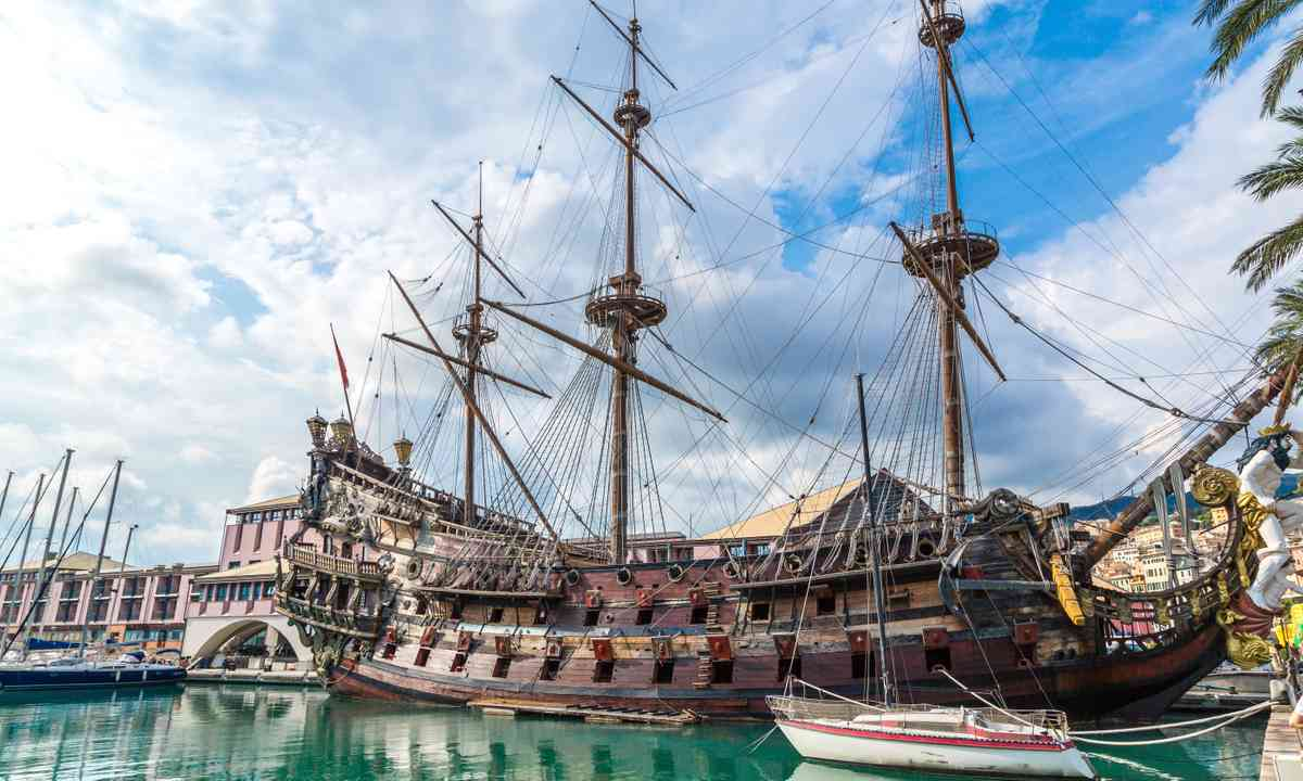 Wooden ship in the old port (Shutterstock.com)