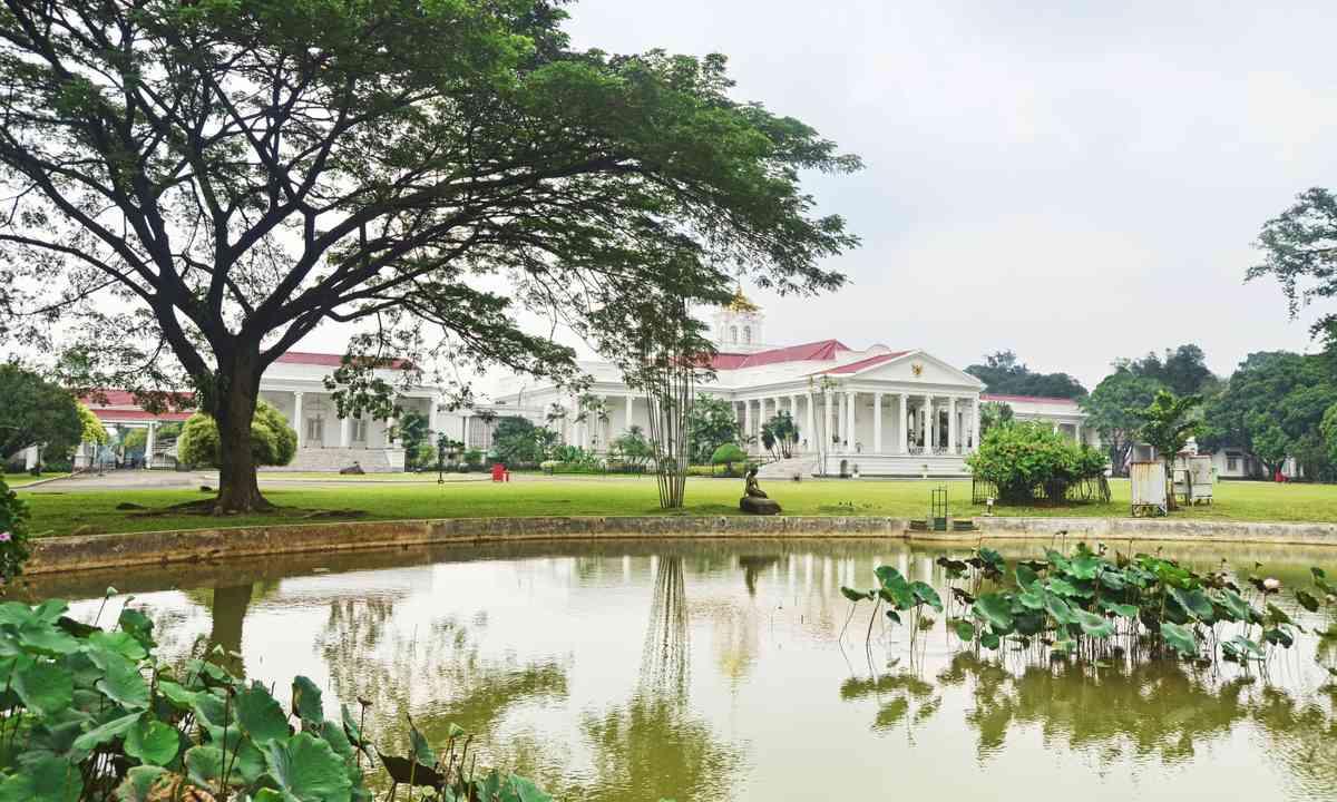 Bogor Botanical Gardens (Shutterstock.com)