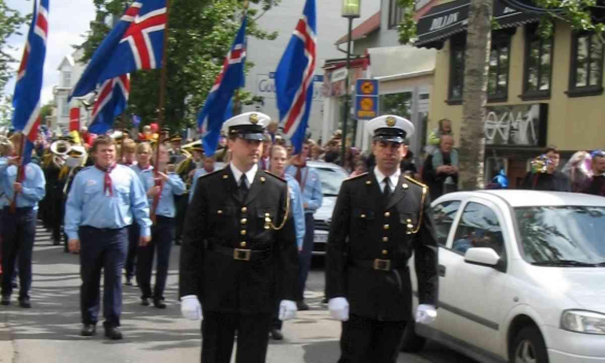 National parade in Reykjavik (Creative Commons Akigka)