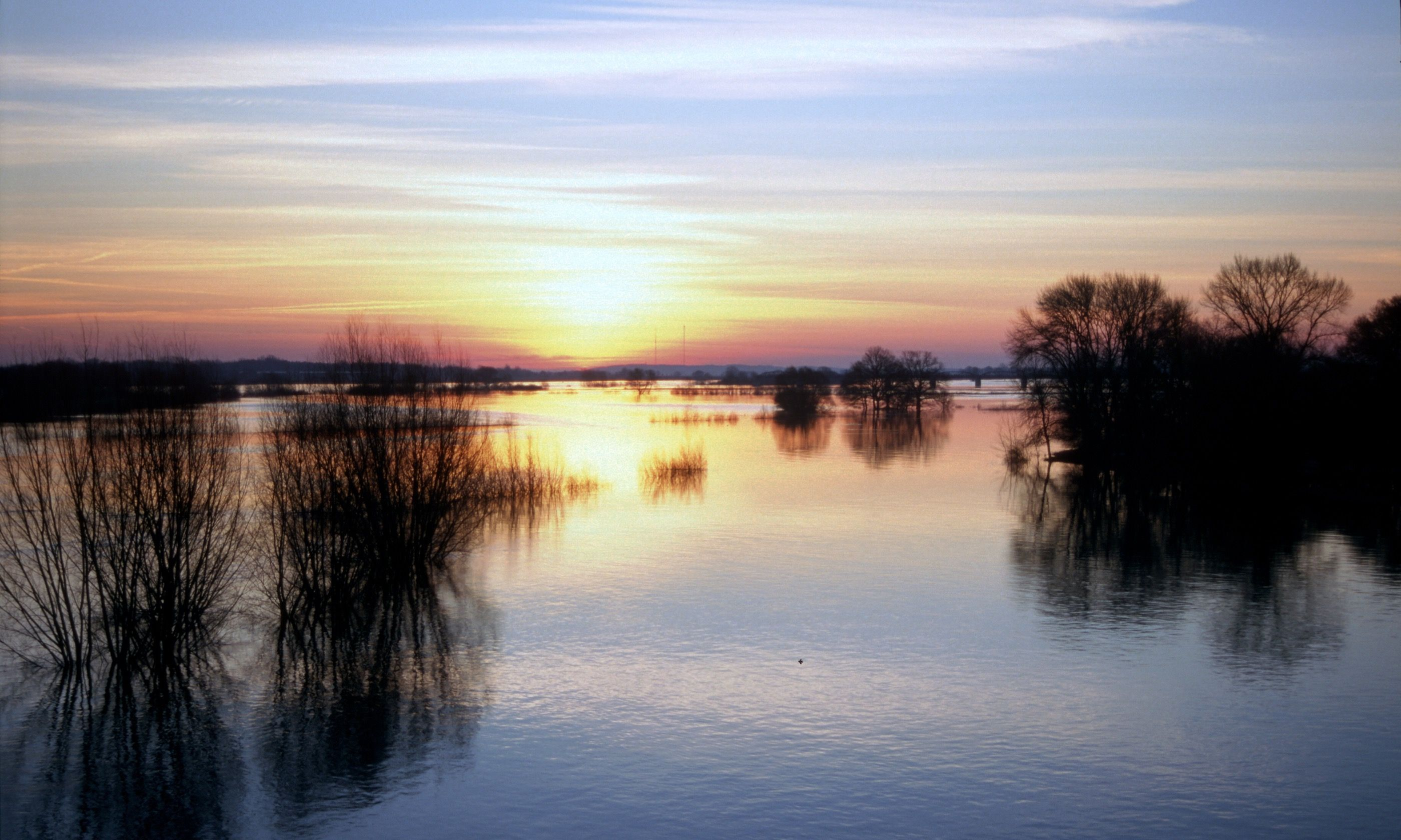 Sunrise over the Elbe foreshore (German National Tourist Board)