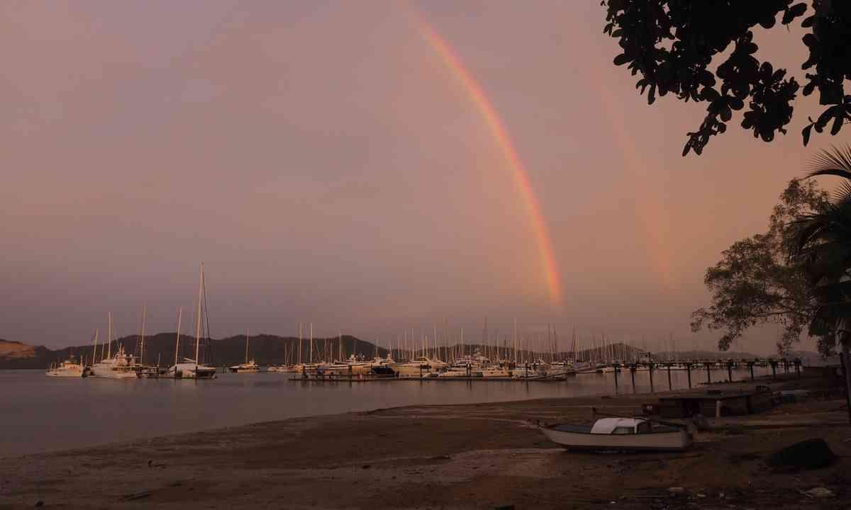Rainbows over the marina (Jamie Furlong)