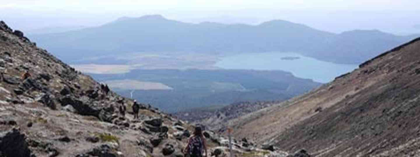 The Tongariro Crossing: one of the world's best day walks (Mojotrotters)