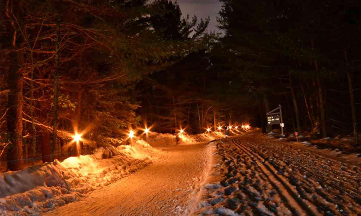 Torch-lit skate trail (Explorers' Edge)