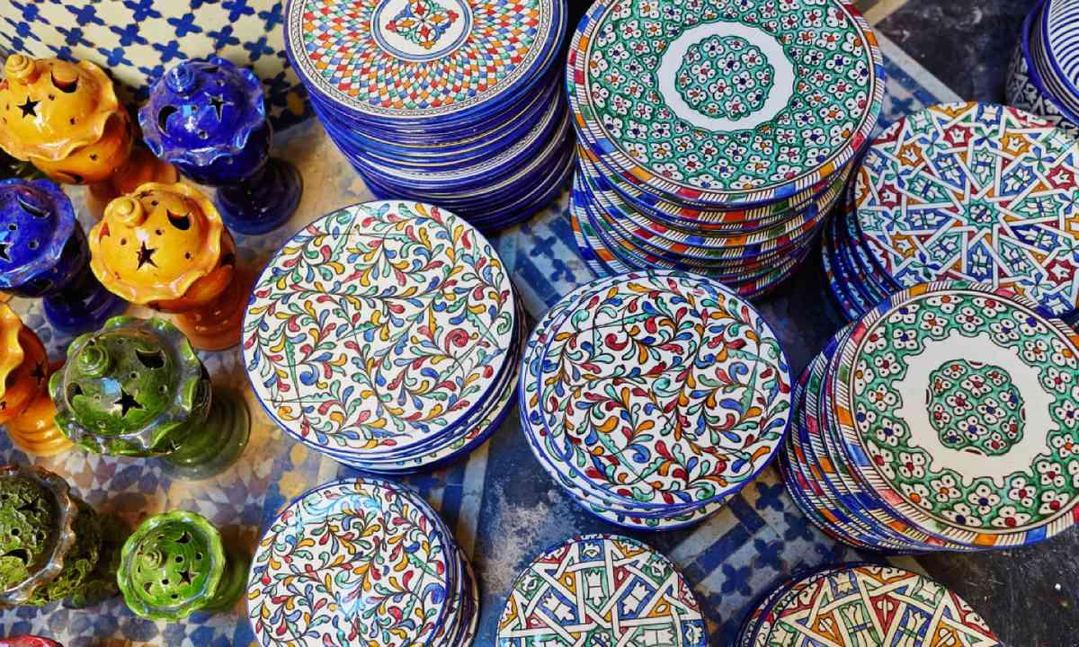 Ceramics in Fes souk (Shutterstock)