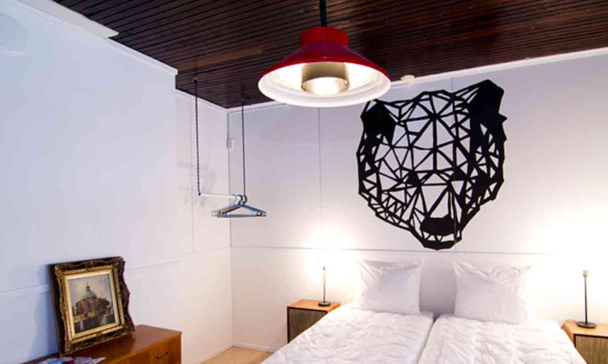 Seven Fells bedroom (Kash Bhattacharya)