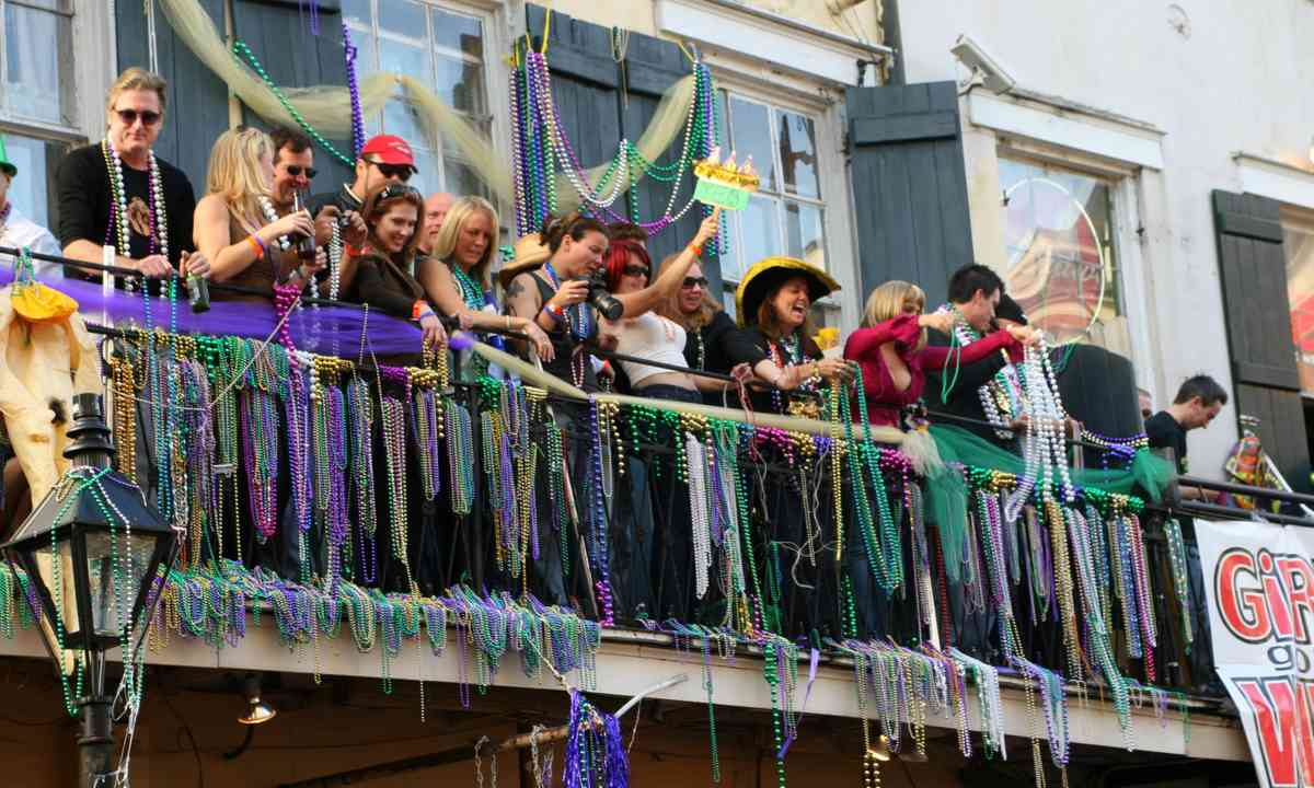 Celebrating Mardi Gras (Dreamstime)