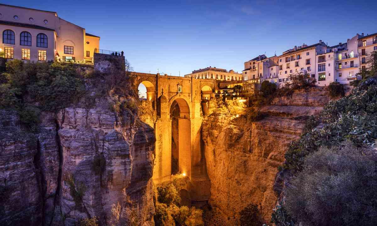 Puerto Nuevo bridge, Ronda (Dreamstime)