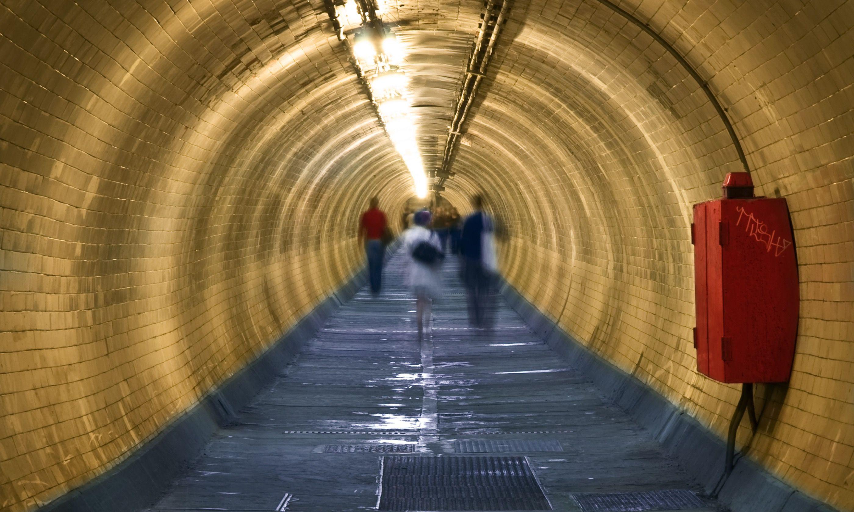 Greenwich foot tunnel (Dreamstime)