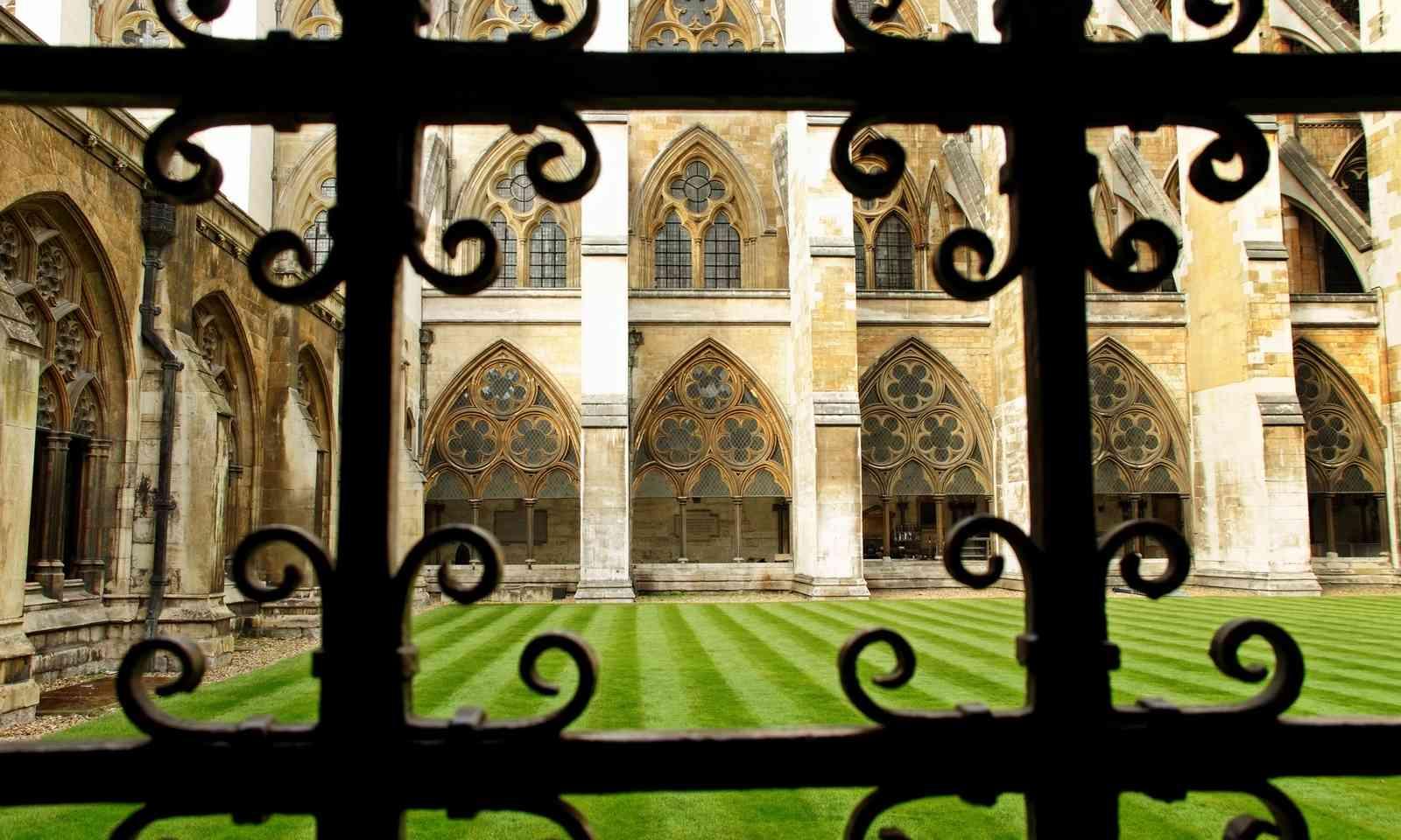 Deans Yard, Westminster Abbey (Dreamstime)