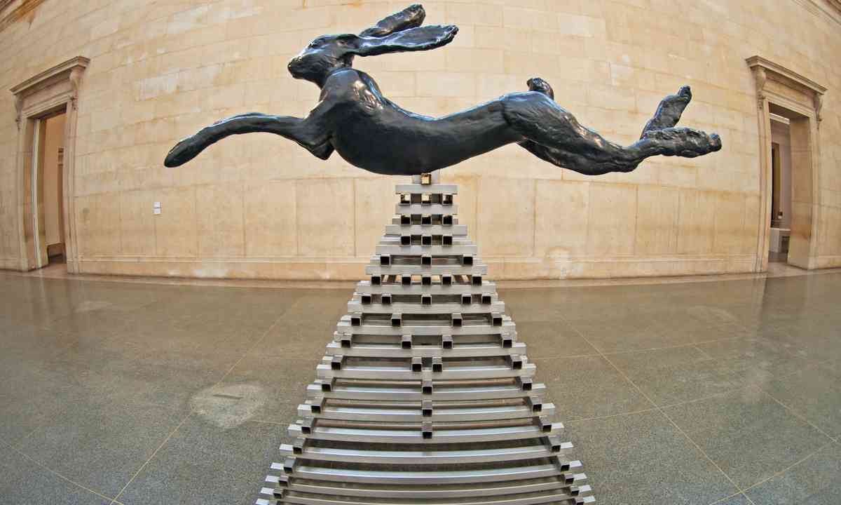 Leaping hare at the Tate Modern (Dreamstime)
