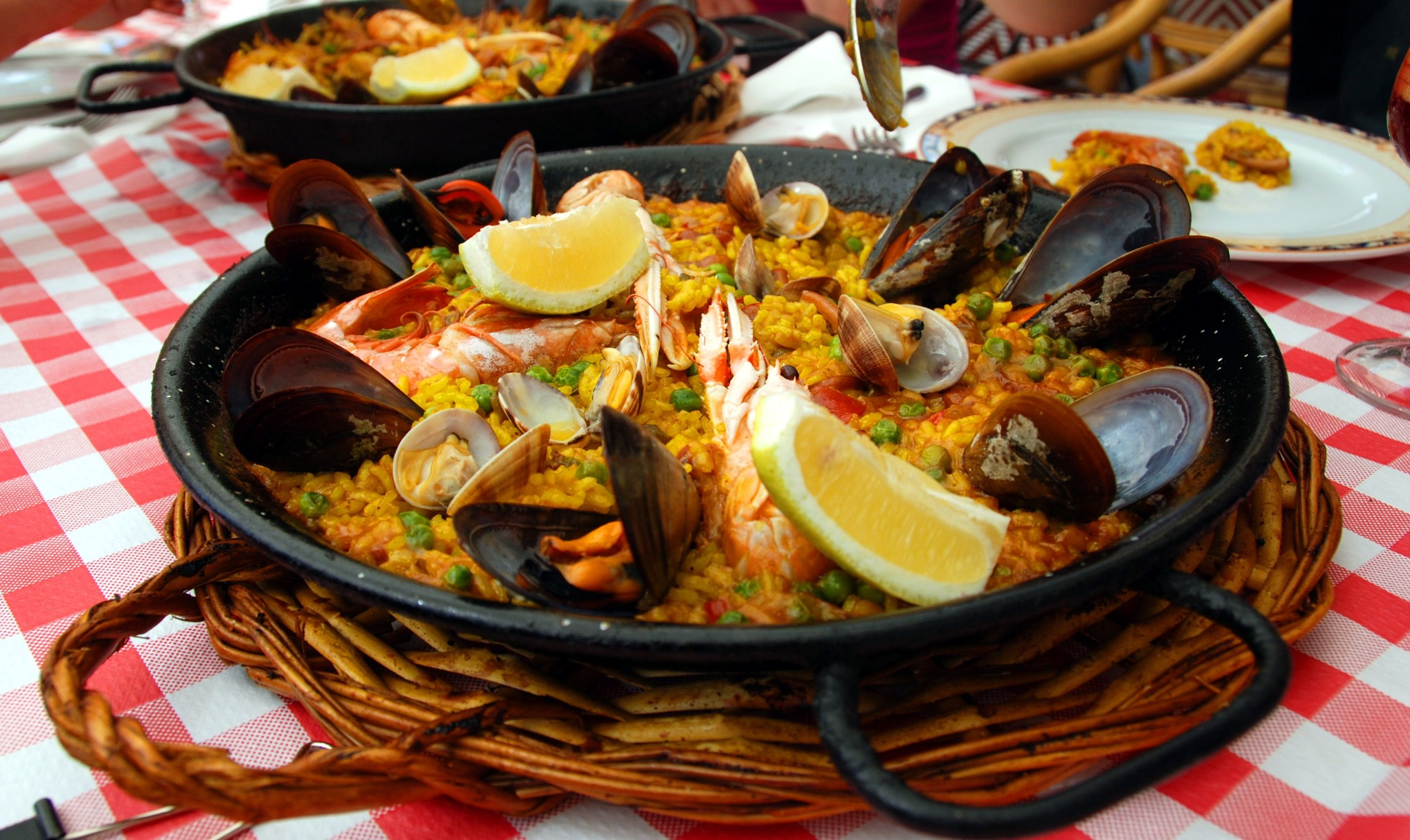 Spanish paella in the pan (Dreamstime)