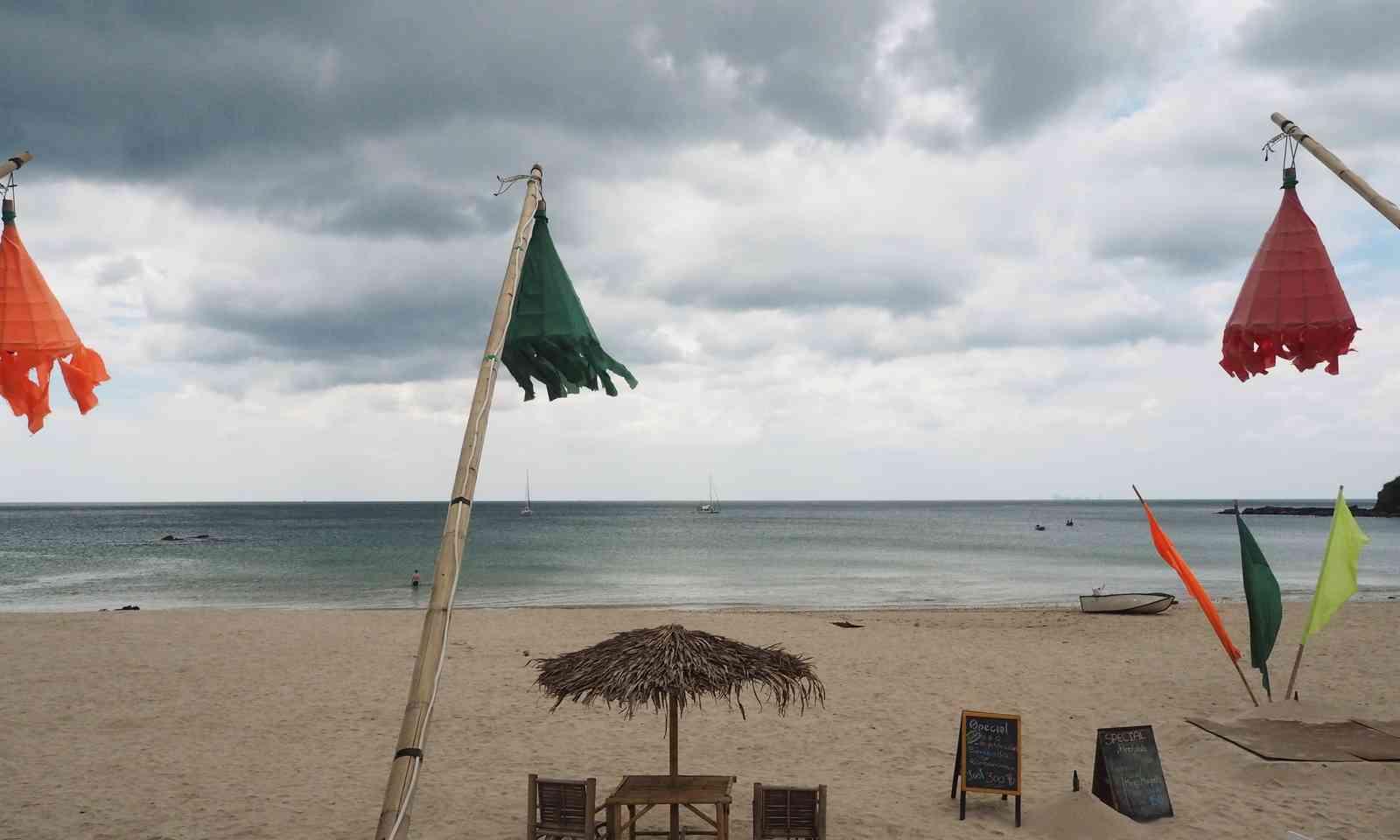 Keeping an eye on the sea (Liz Cleere)