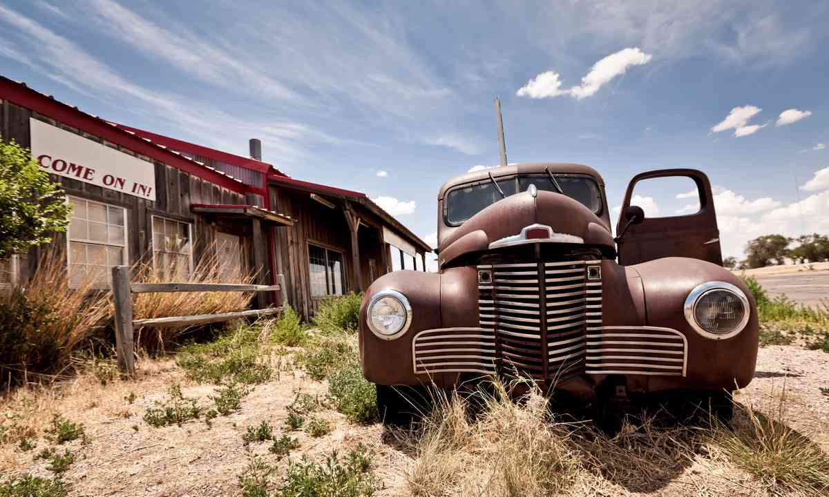 Abandoned restaurant on Route 66 (Dreamstime)