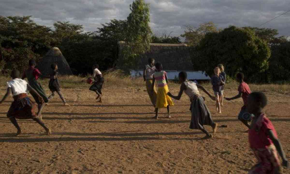 Netball at the orphanage (Edwina Cagol)