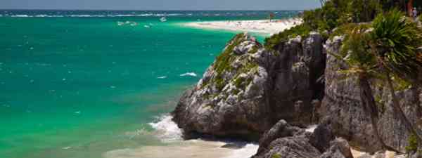 Experience the incredible coastlines of Tulum, Mexico (Tjschloss)