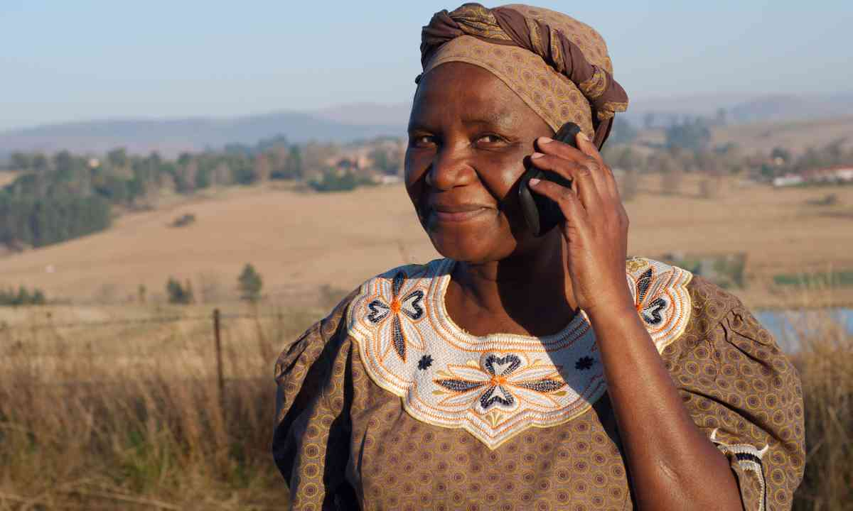 Zulu woman on mobile phone (Dreamstime)