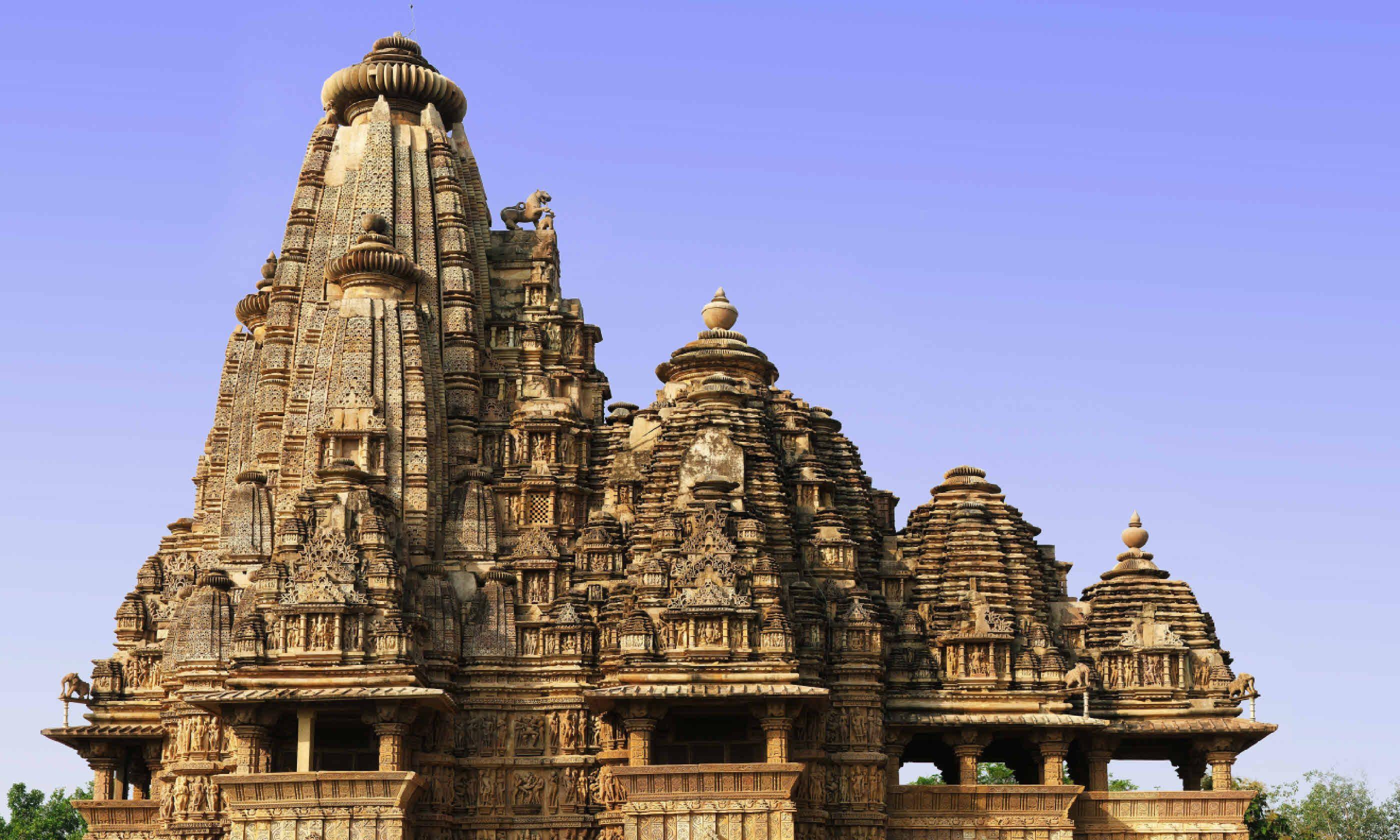 Vishwanath Temple (Shutterstock)