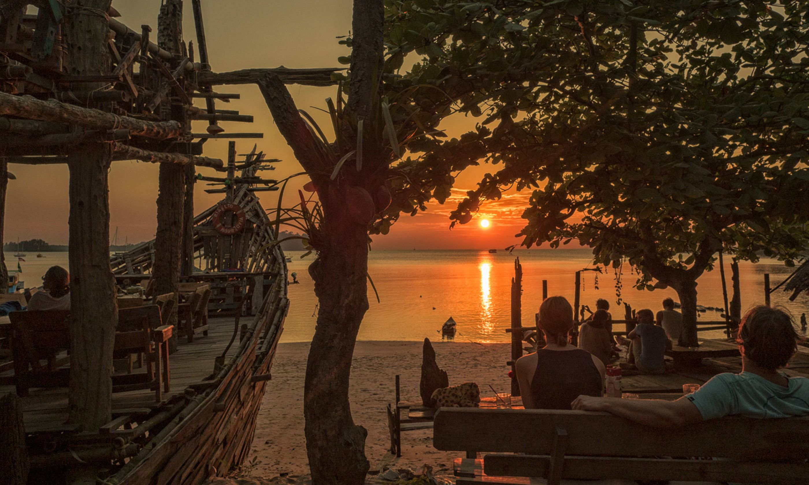 Sunset from the Hippy Bar (Jamie Furlong)