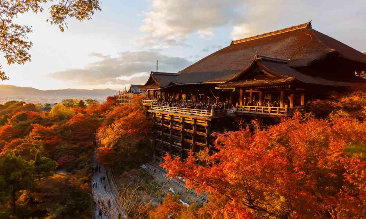 Kiyomizu-dera Temple in Kyoto (Shutterstock)