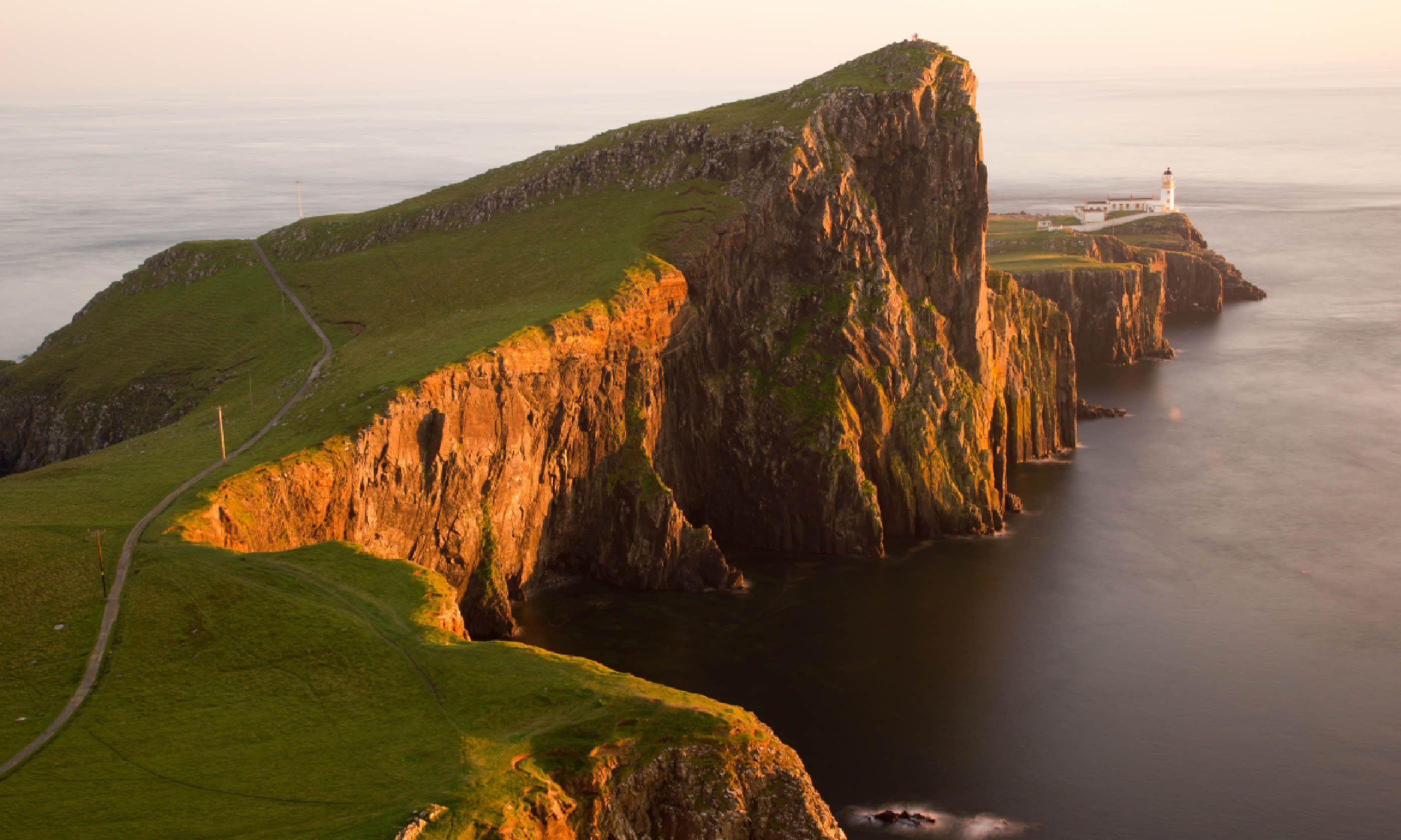 Neist Point lighthouse, Isle of Skye (Shutterstock)