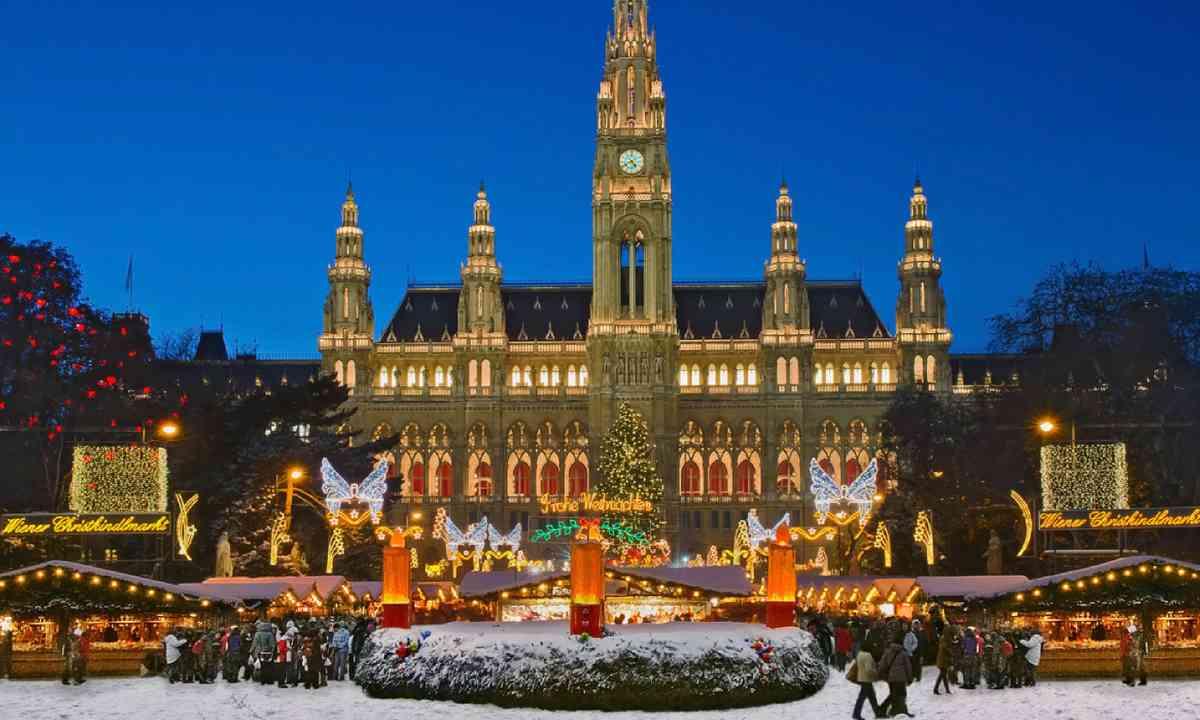 Vienna Christmas Market (Shutterstock)
