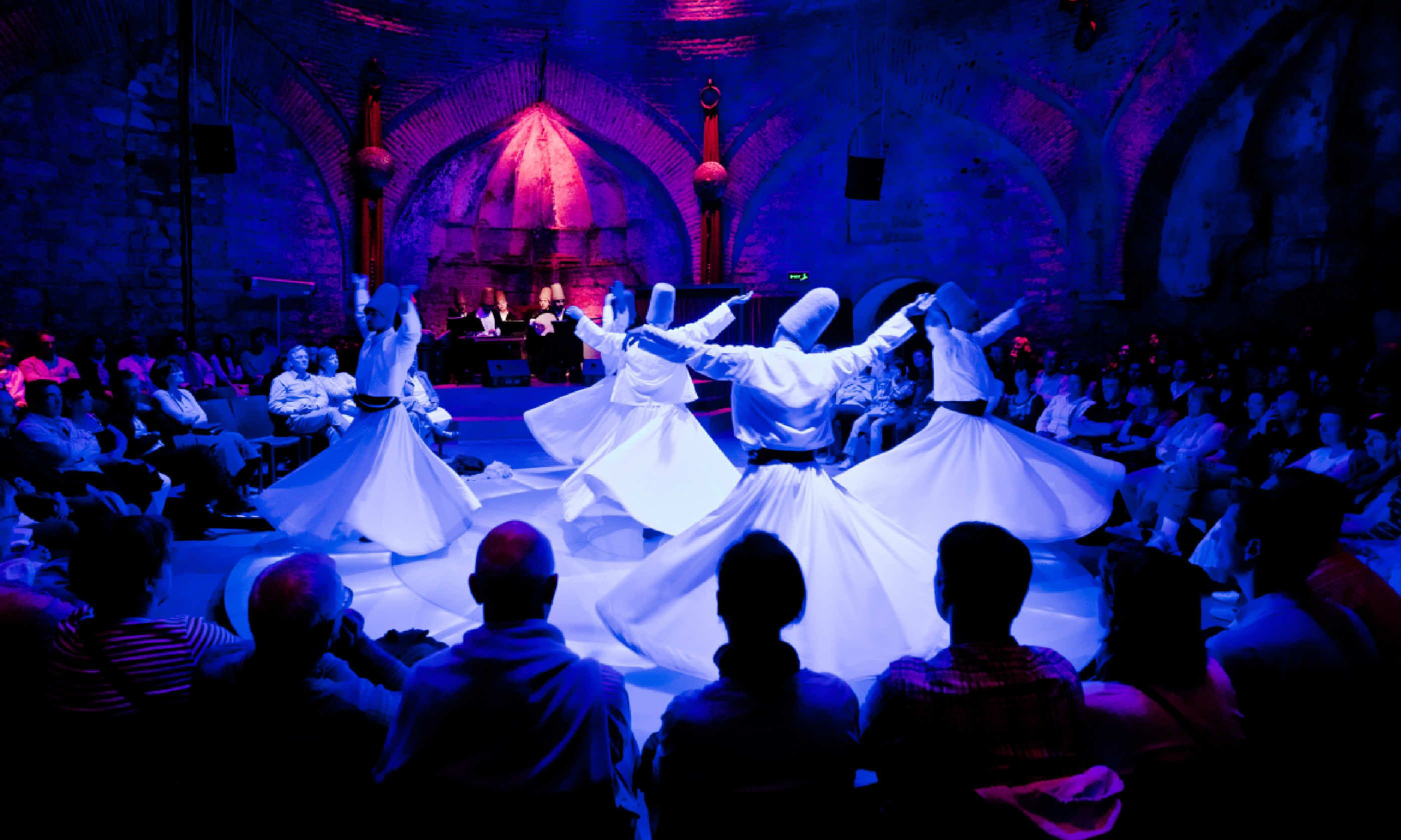 Whirling dervishes, Istanbul (Shutterstock)