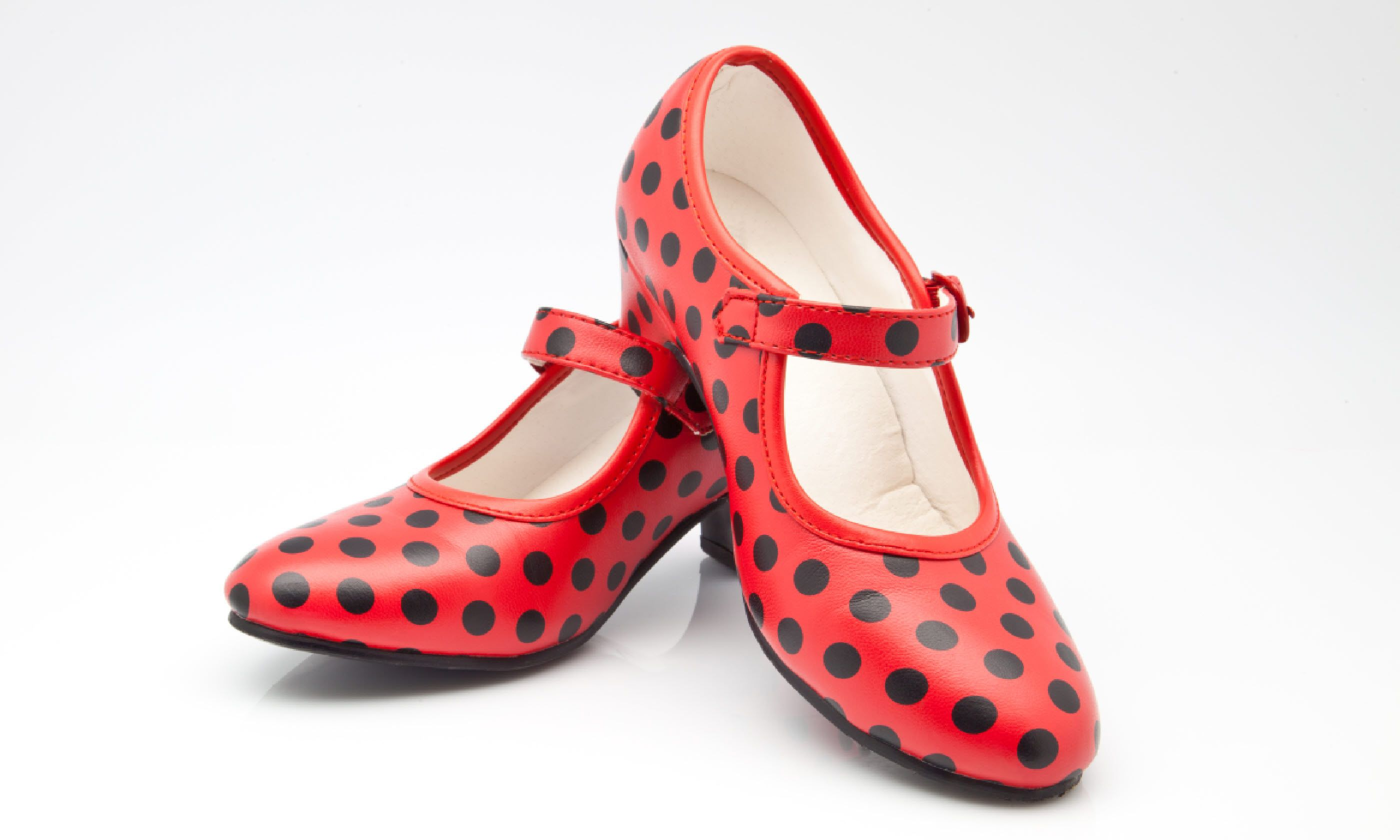 Polka dot shoes (Shutterstock)