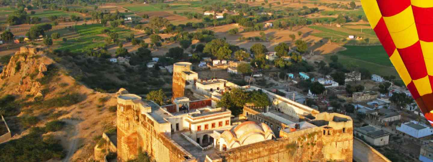 Hot air ballooning over Jaipur, India (On the Go)
