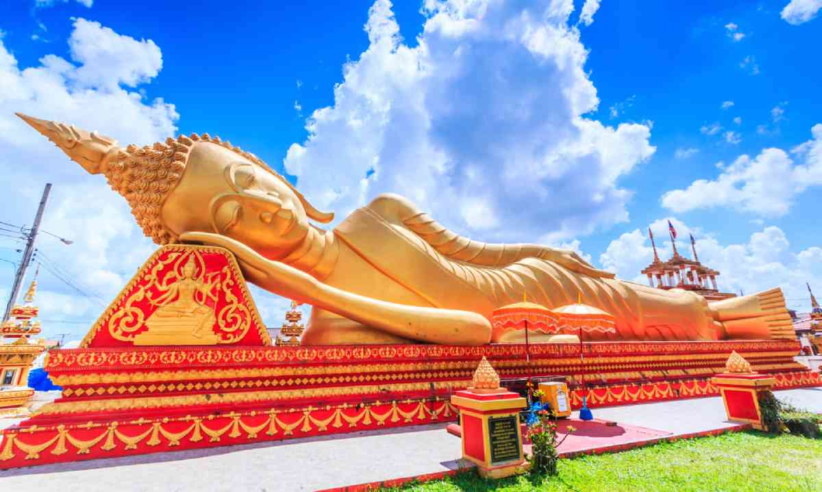 Sleeping Buddha in Temple in Vientiane, Laos (Dreamstime)