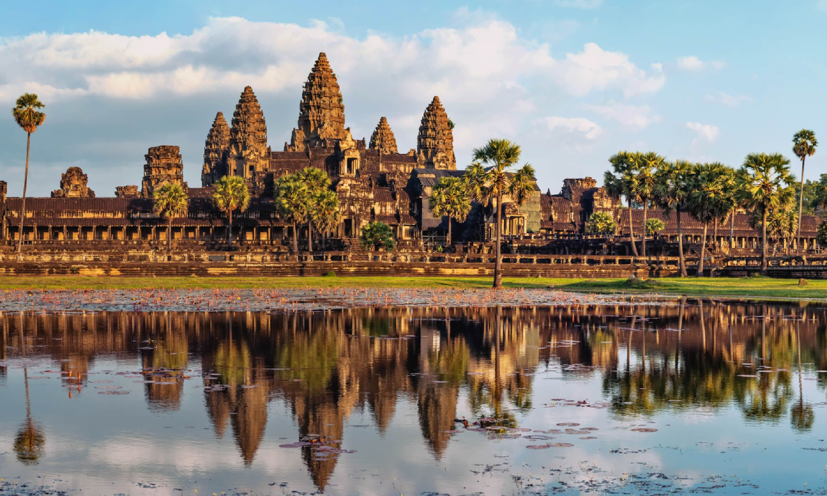Angkor Wat temple at sunset (Shutterstock)
