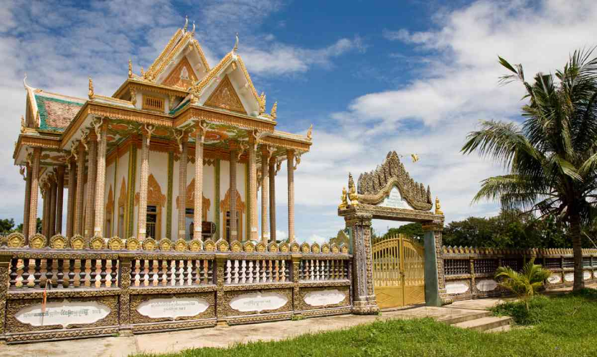 Buddhist temple in Battambang, Cambodia (Dreamstime)