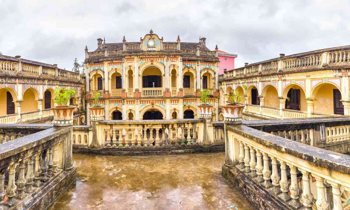 Hoang A Tuong Royal Architecture imperial, Bac Ha, Vietnam (Dreamstime)