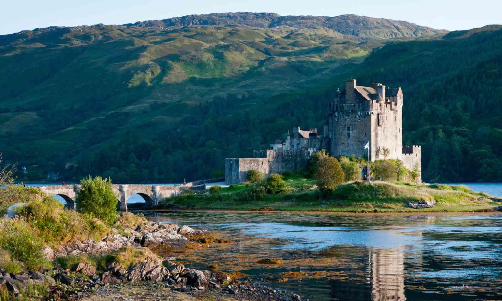 Eilean Donan Castle, Scotland (Shutterstock)
