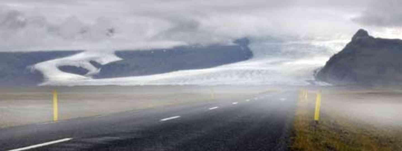 Svínafellsjökull Glacier (dreamstime_m_6140003)