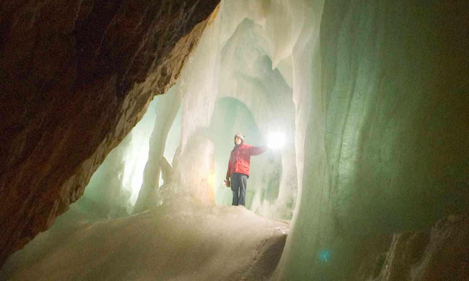 Eisriesenwelt Ice Cave (Flickr C/C: Inspiration Point Studio)