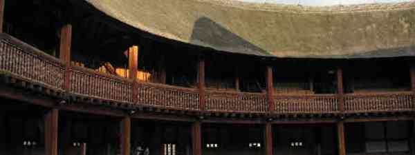 Flickr_McKaySavage_UK - 34 - Globe Theatre - roof catching the evening sun