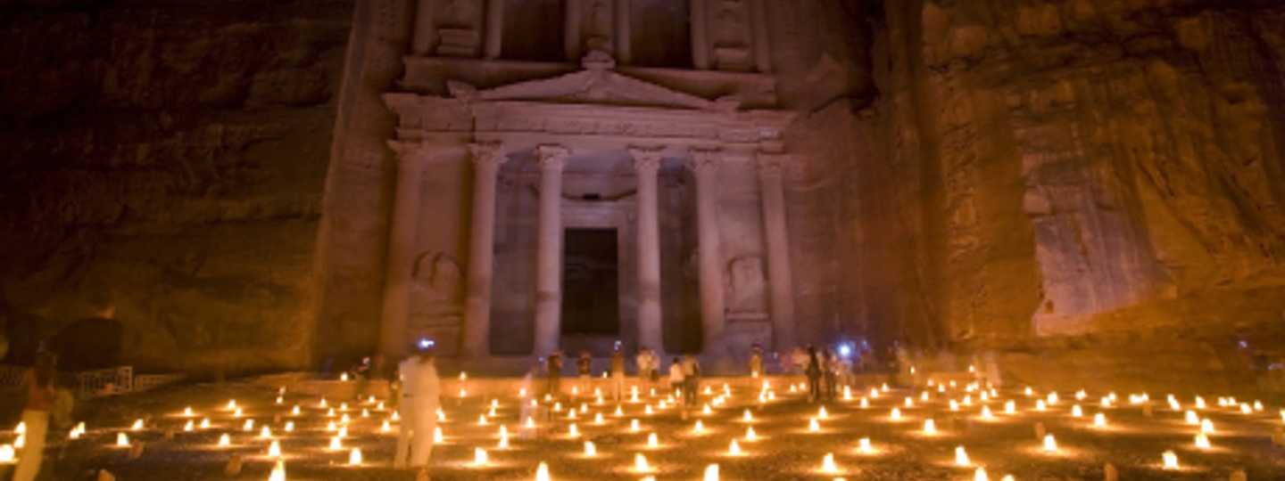 Take an alterntive trip to iconic Petra and Wadi Rum (dreamstime)