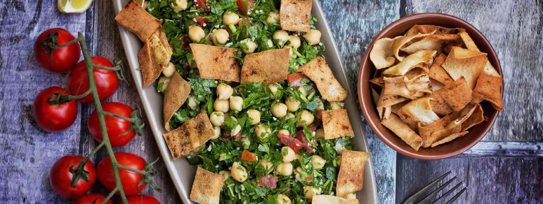 Chickpea tabbouleh salad (Shutterstock)