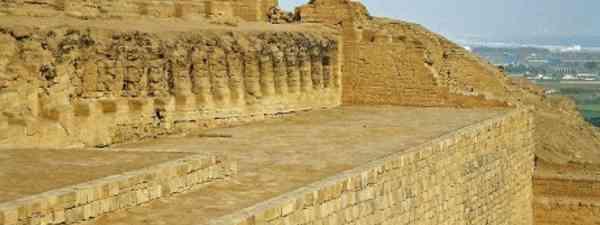 Walls at Pachacamac (Bruno Girin)