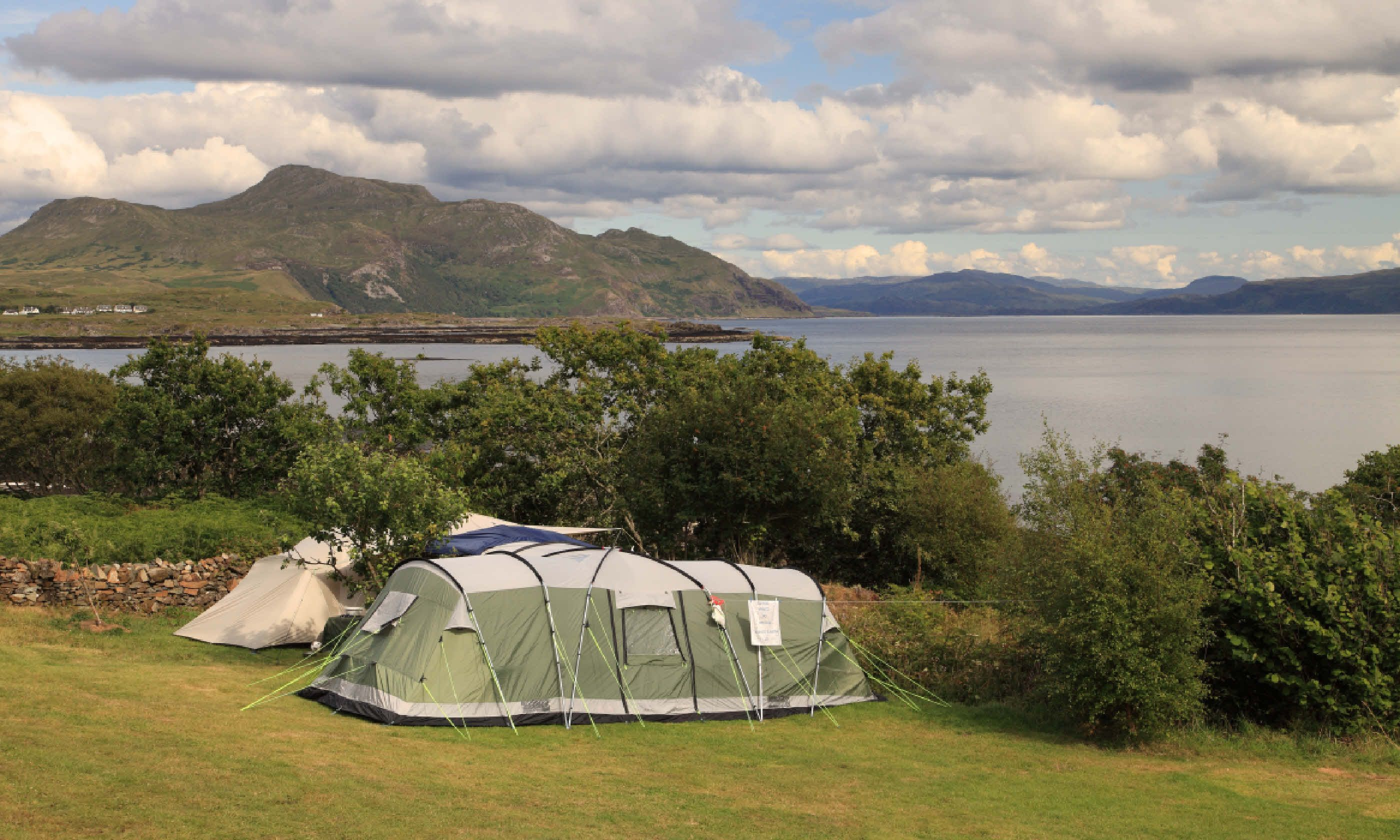 Whatu0027s allowed Tents c&ervans groups dogs u2013 yes. Large motorhomes caravans u2013 no. Amenities 20 pitches and 4 c&ervan hook-ups. & Scotlandu0027s 7 best campsites | Wanderlust
